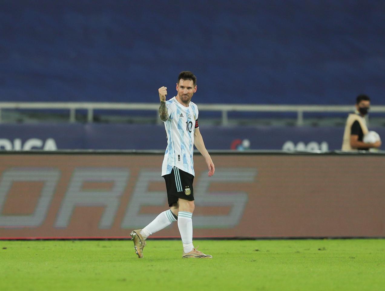 Lionel Messi tras marcar el 1-0 para Argentina. Foto: @AFAMedia