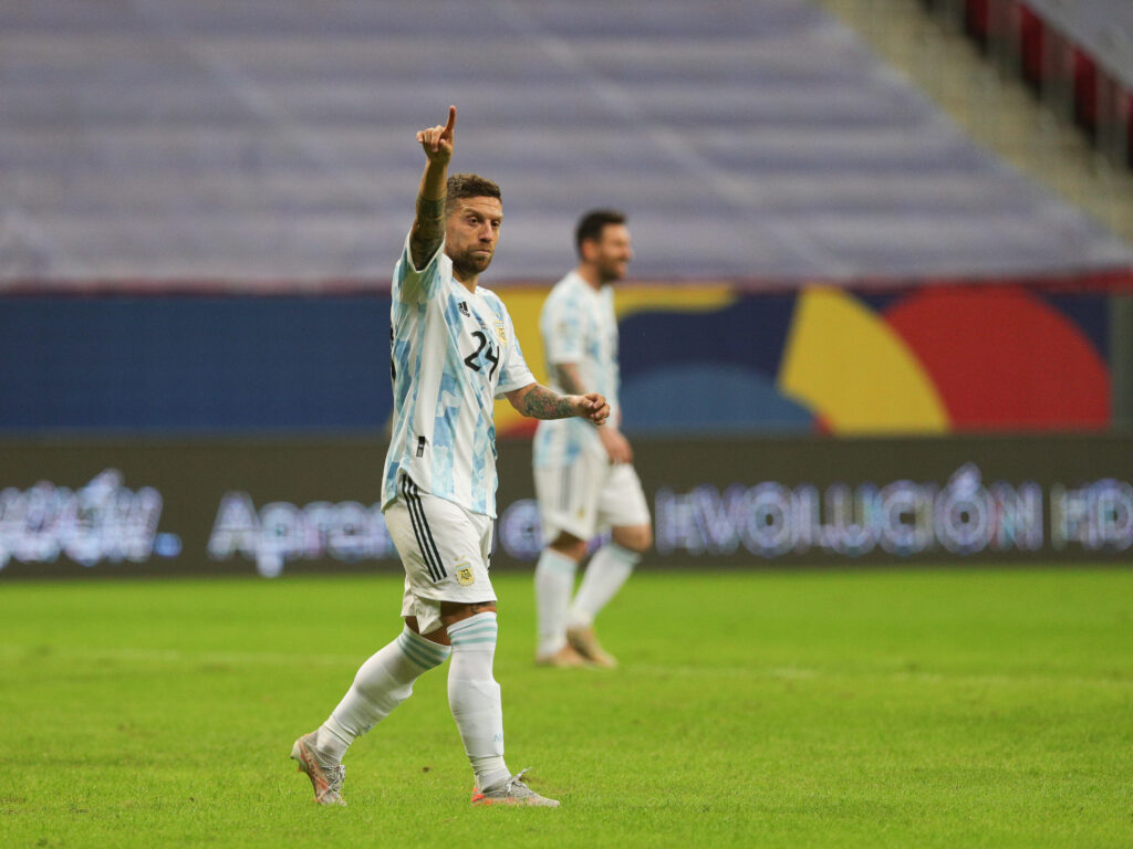 """Papu"" Gómez en la victoria ajustada de Argentina por 1-0. Foto: @AFAMedia"
